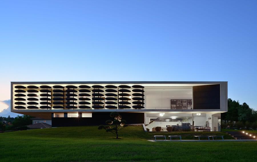 Intérieur-Jour Lyon location lieu photos tournages villa architecte contemporain design béton baies vue campagne