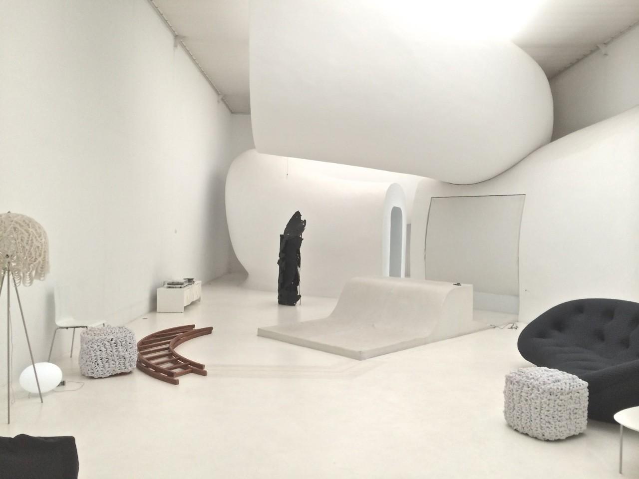 Intérieur-Jour Paris Centre Lieux Photos Studio Luxe Beauté Mode Design Showroom Lancement Produits Déco Blanc Atypique
